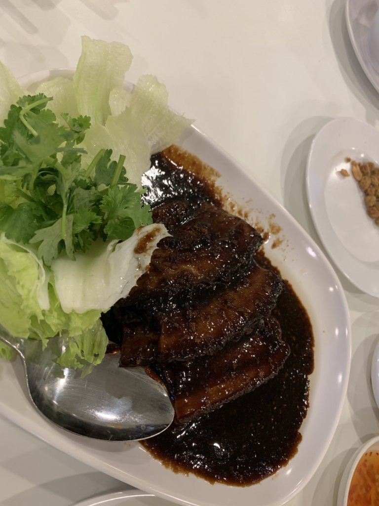 絶品!豚の角煮パオ【ウエストレイク(西湖小吃)】@クイーンズロード
