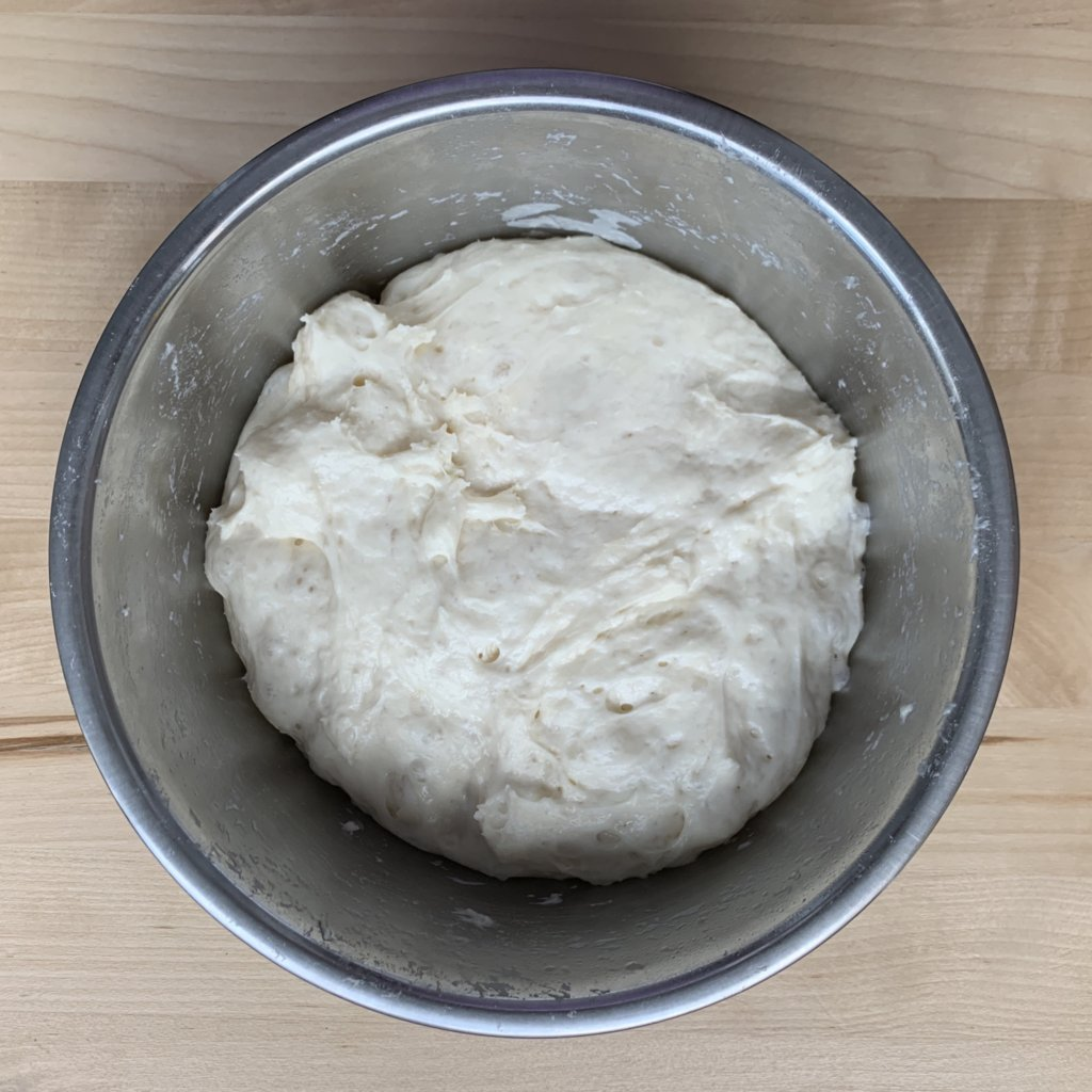 簡単レシピ【こねないパン・ほったらかしパン】焼きたてのパチパチ音がたまらん!